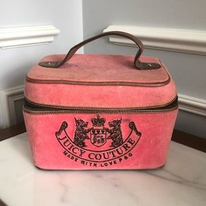 JUICY COUTURE Velvet Cosmetic Case